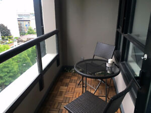 Beautiful Yaletown Park 1-bedroom Condo with Balcony for Rent