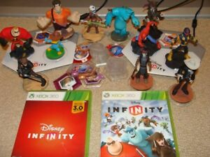Infinity Disney Characters, 2 potals and 2 games for xbox 360