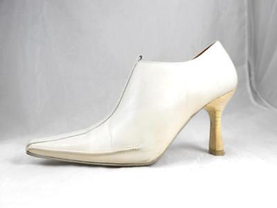 Fabulous  DONALD PLINER Moments Ivory Leather Short Zipper Ankle Boot 5 1/2