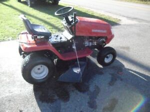 """EXCELLENT WORKING MASTERCRAFT 12HP 38"""" RIDE-ON."""