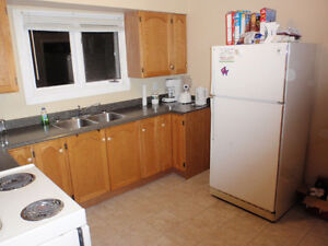 1 bedroom available in a 3 bedroom house,
