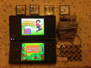 Dsi w/ 4 games & charger