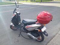 2012 fuzion bas kilométrage! Bas prix! Mint condition Scooter