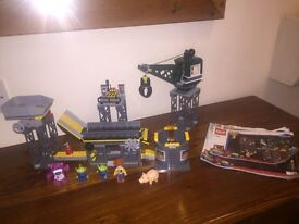 Lego toy story set 7596. Trash compactor complete with all mini figure