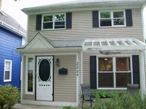 Homestay West End Halifax- 1 Room Available ( Main Level )