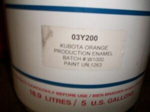5 gallon pails machinery paint kubota orange & international red
