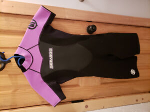 Womens wetsuit size 7/8