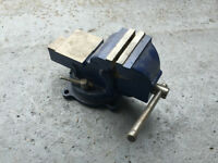 Mastercraft 4-in. Vise With Swivel Base / etaux