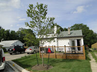 Renovated 2 BD Townhouse-HYW 406 and Oakdale Available  April 1s