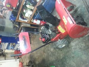 large selection of snow blowers serviced and ready to go Peterborough Peterborough Area image 4