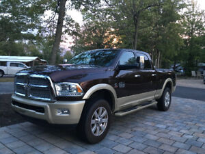 Ram 2500 Longhorn diesel 2014 excellente condition. Faut voir