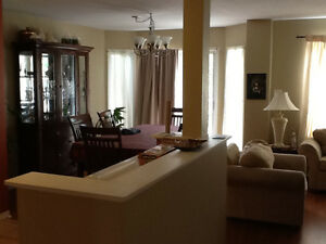 ROOM AVAILABLE FOR RENT NEAR UWO London Ontario image 2