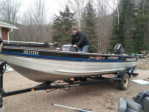 1992 Pro Deep V - 17 Tracker with 60 Johnson and Tracker Trailer