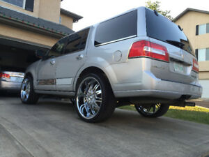 2011 Lincoln Navigator fully loaded with 2 YEAR WARRANTY