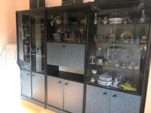 **Showcases/Display Cases in Great Condition**
