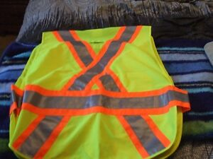 BRAND NEW-CONDOR SCOTCH BRITE SAFETY VEST S-M-L