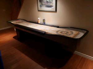 Shuffleboard Table with side bumbers ans x8 rocks