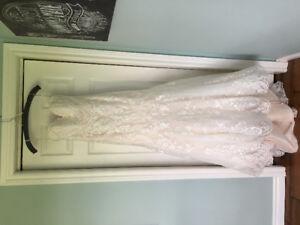 Wedding Dress *Like New*