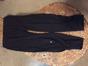 Lululemon Crop Pants (Size 12)