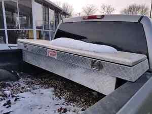 Aluminum truck toolbox Edmonton Edmonton Area image 1