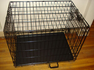 Intermediate-Size Pet Wire Crate / Cage