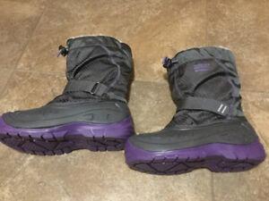 Kodiak girls boots size 4