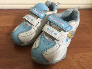 Tikka 2 Disney Girls running shoes size 9
