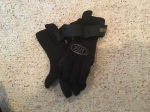 Size XS BARE High Top Dive Gloves