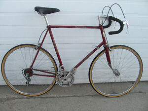 LECIRCUIT 12 SPEED TALL FRAME ROAD  BIKE WITH WARRANTY!