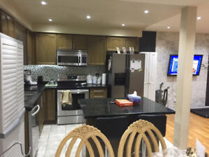 LARGE FURNISHED ROOM 600/month AVAILABLE  ASAPP!