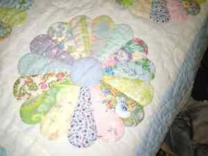 Vintage double sized hand made quilt. London Ontario image 2