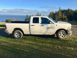 Very CLEAN 2011 RAM 1500 Quad Cab 4WD, 8cyl, 4.7 engine