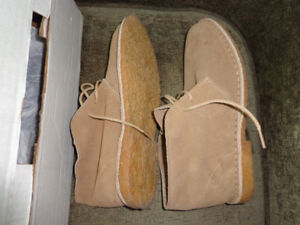 For trade:  NEW OLD STOCK Size 8 Desert Boots