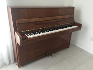 Yamaha Professional Piano - Excellent condition