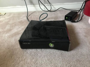 250 gb Xbox 360 slim with controllers