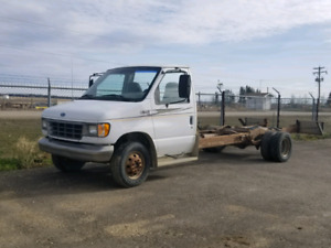 1995 Ford cutaway cab and chassis
