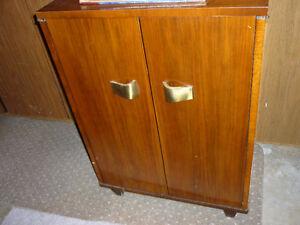 Vintage GE Radio Phonograph