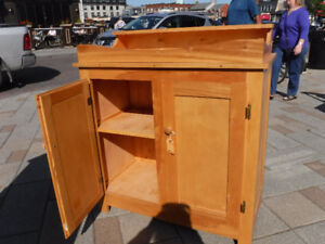 SOLID MAPLE DRY SINK
