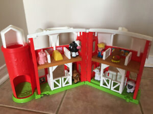 Little People Farm - Complete Set in Excellent Condition