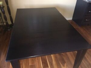 Mahogany dining room table only. Excellent condition. 42X64