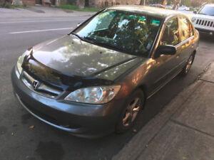 PRIX RÉVISÉ VENTE RAPIDE Honda Civic Berline 2004