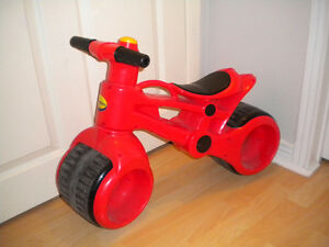 RED PLASMA BIKE / MOTORCYCLE FOR TODDLERS