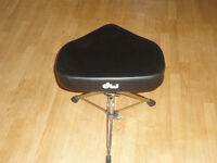 DW heavy duty drum throne with tractor style seat...barely used.