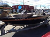 2009 PRINCECRAFT HOLIDAY DLX FISHING BOAT WITH MERCURY 60HP