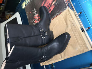 Snip toe Motorcycle Boots. Size 13d all leather , none slip sole