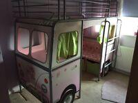 De-van cabin bed campervan