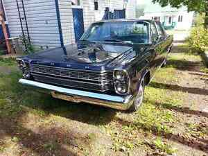 Ford galaxie 500 1966 en parfaite condition