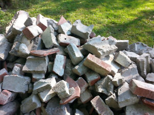 BROKEN CONCRETE ROCKS & STONES - DUMP FOR FREE