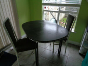 kitchen table plus