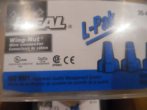 Ideal 30-454 Wing-Nut Wire Connector Blue Marette box of 250 Kitchener / Waterloo Kitchener Area image 2